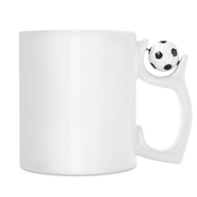 Кружка белая c футбольным мячи